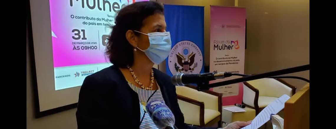 Embaixada dos Estados Unidos e Rede de Mediatecas de Angola realizam Fórum da Mulher