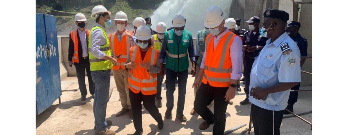 A Embaixadora visitou a Barragem de Lauca, a maior barragem hidroeléctrica de Angola