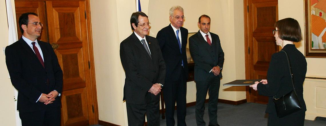 Ambassador Garber Presents her Credentials to President Anastasiades