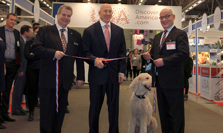 Ambassador Oreck at the ribbon-cutting ceremony at Nordic Travel Fair 2015. (© State Dept.)
