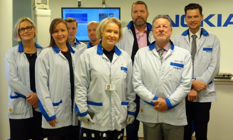 Ambassador Adams at Nokia Networks' Oulu Technology Center. (© State Dept.)
