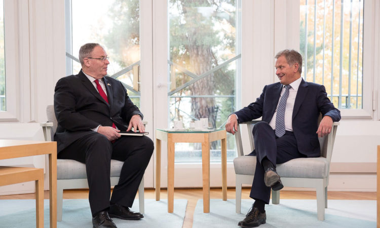 Deputy Secretary of Defense Richard Work with President Sauli Niinistö © Matti Porre/Office of the President of the Republic of Finland