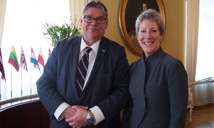 Foreign Minister Timo Soini and CDA Donna Welton (© State Dept.)