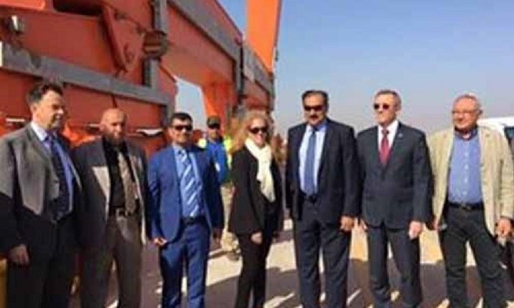 DCM and CG Visit Um-Qaser Port
