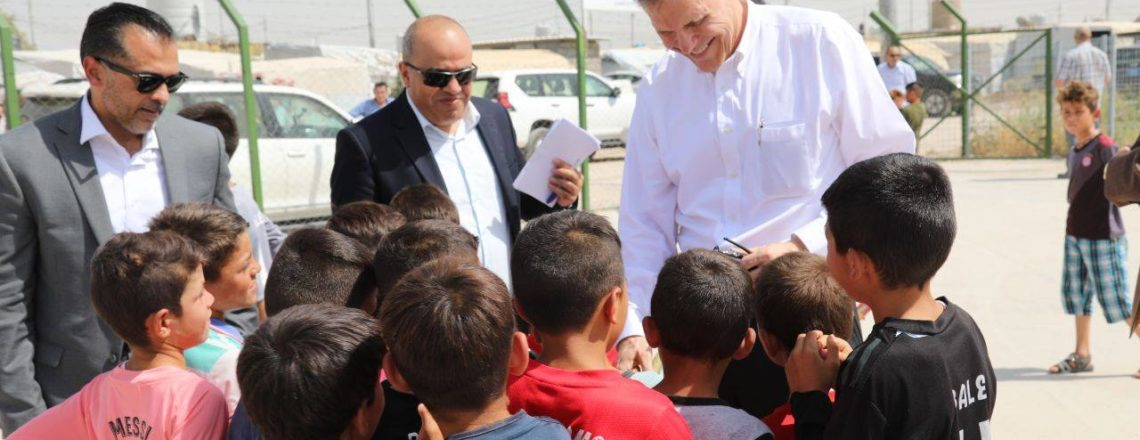 Ambassador Tueller visits the Sheikhan IDP camp