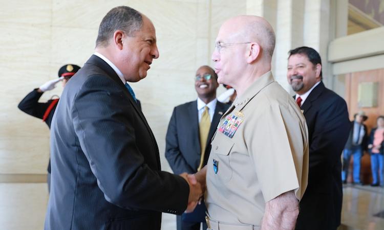 El Presidente Solis y el jefe del Comando Sur de Estados Unidos, Kurt Tidd, participaron en la apertura de la Conferencia CENTSEC 2016
