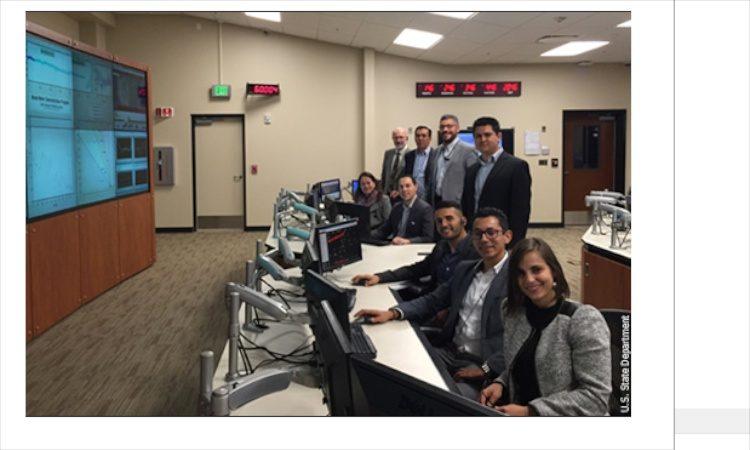 Representantes del Ministerio de Ambiente y Energía de Costa Rica (MINAE), Autoridad Reguladora de los Servicios Públicos (ARESEP) y del Instituto Costarricense de Electricidad (ICE)