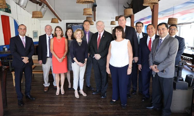La Delegacion del Congresista Chabot se reunion con miembros de La Cámara Costarricense-Norteamericana de Comercio de Costa Rica (AmCham Costa Rica)
