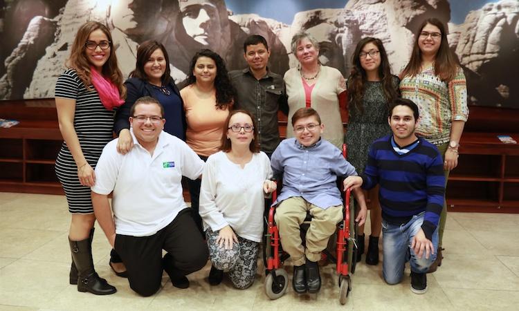 Estdiantes del Programa de Intercambio de Pregrado Mundial (Global UGRAD) de la Embajada de Estados Unidos