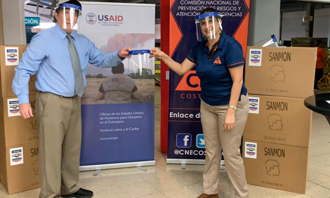 The U.S. Embassy's Office of Foreign Disaster Assistance (OFDA) donated 1,200 reusable protective face shields to Costa Rica's National Commission for Risk Prevention and Disaster Response (CNE).