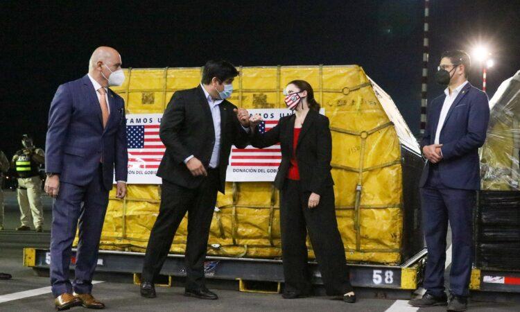 Estados Unidos dona medio millón de dosis de vacunas Covid-19 a Costa Rica