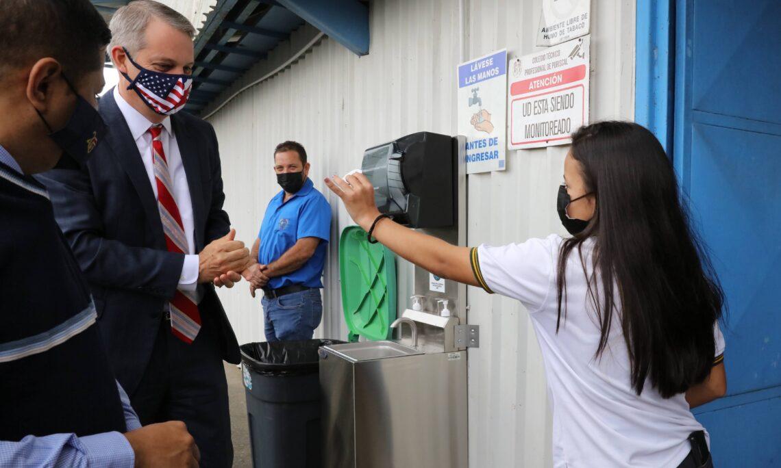 U.S. Embassy Donates Handwashing Stations to Puriscal