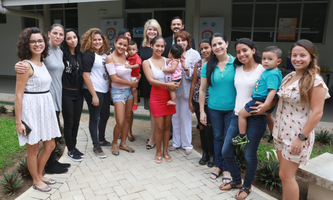 Girasoles (Sunflower) Project Encourages Young Women to Reach Their Professional Goals