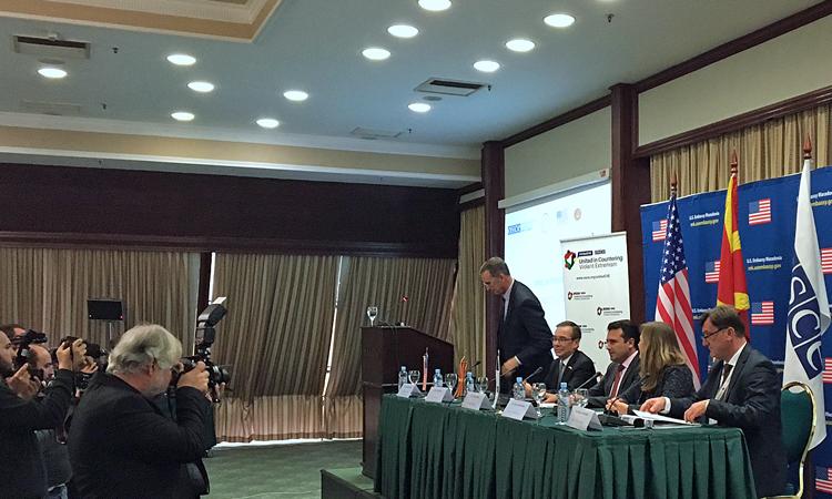 Амбасадорот Бејли на конференцијата за борба против насилниот екстремизам11072017