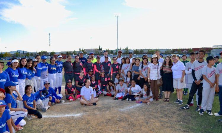 Liderazgo, igualdad de género y trabajo en equipo a través del béisbol
