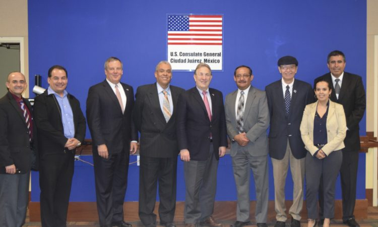 U.S. Ambassador Meets Business People