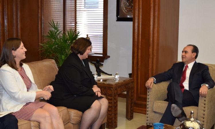 Consul General Darnell con Presidente Municipal de Chihuahua