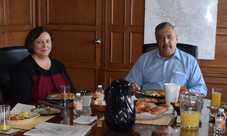 Cónsul General Daria Darnell se reúne con Fiscal General del Estado