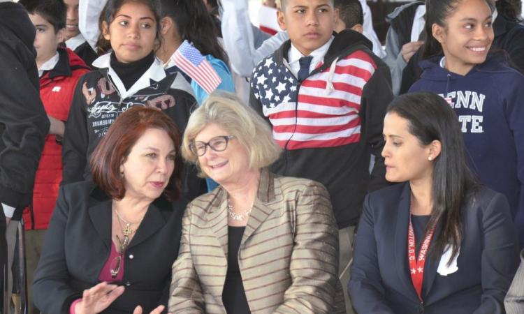 Secretaria Michele Bond y la Secretaria de Educación de Nuevo León, Dra. Esthela Gutiérrez Garza