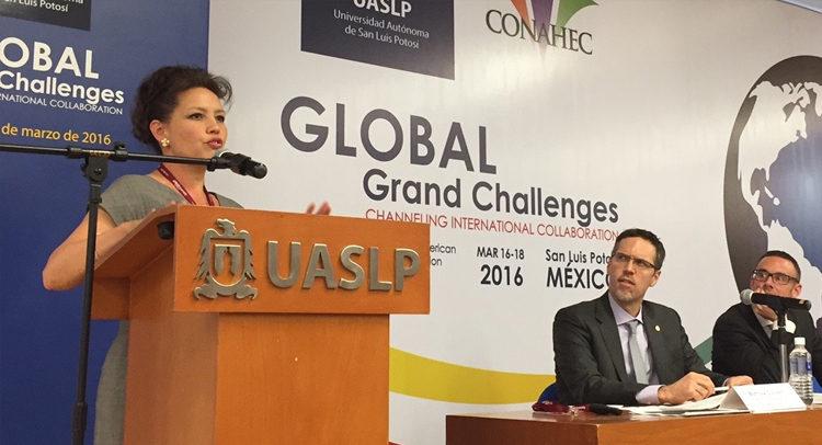 La Ministra Consejera para Educación, Prensa y Cultura de la Embajada de EEUU en México, Stephanie Syptak-Ramnath