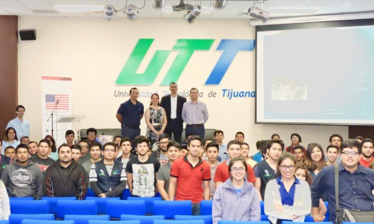 Científica Tijuanense de la Universidad de California en San Diego visita UTT en Tijuana