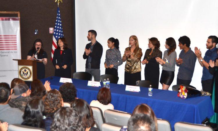 """Panel de Discusión de Trata de Personas y proyección de película """"Las Elegidas"""""""
