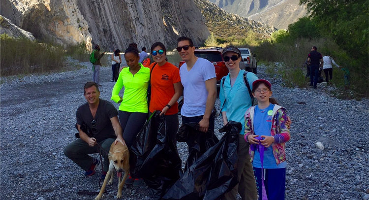 Group of U.S. Consulate general Monterrey who volunteer to clean up La Huasteca.