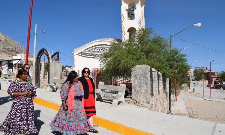 Cónsul General Daria L. Darnell Visita la Colonia Tarahumara en Ciudad Juárez