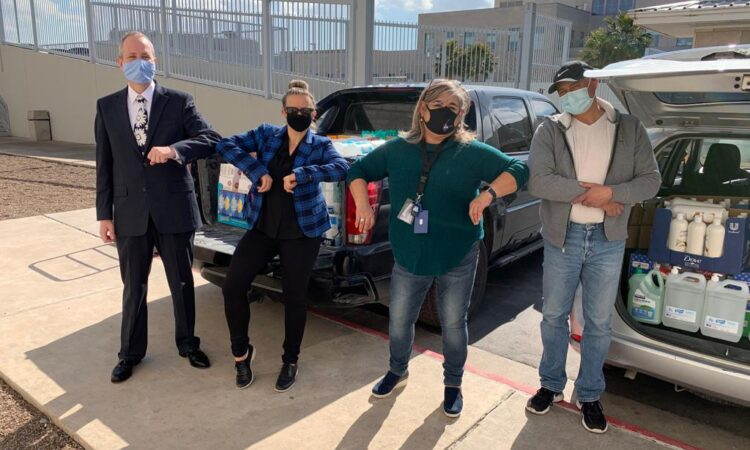 Consulado Juarez presenta donación a Sin Violencia