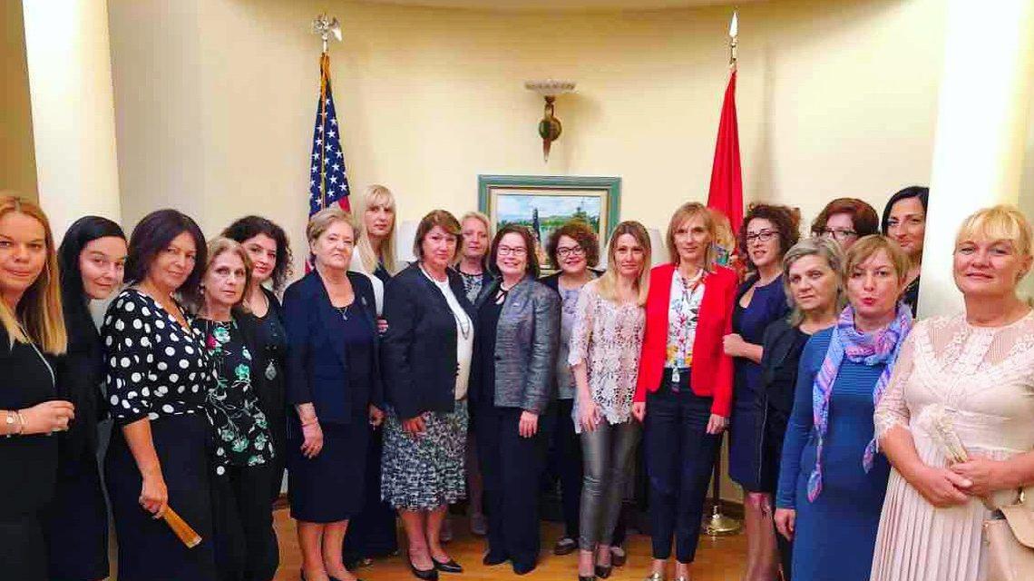 Ambassador Reinke Meets with Women's Political Network