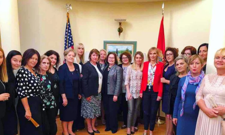 Ambassador Reinke Meets with Women's Political Network