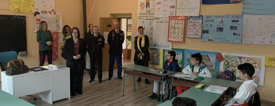 Ambasadorka Rajnke posjetila renovinaru školu na Bioču