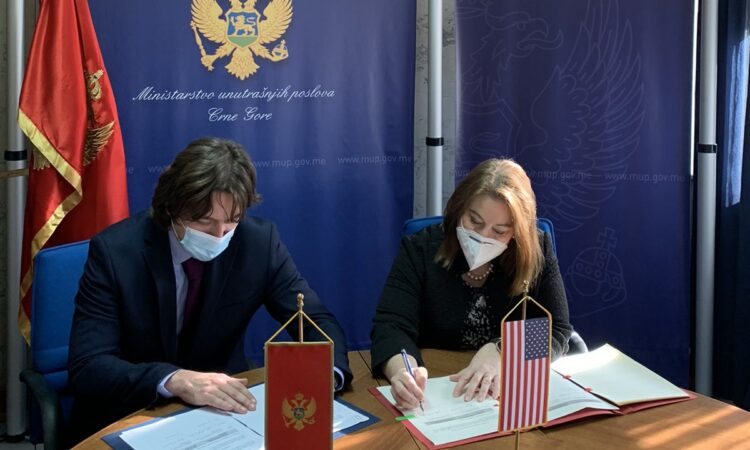 Ambassador Reinke and Minister of Interior Sekulović Signed Memorandum of Cooperation