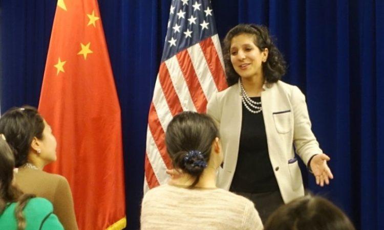 Shanghai Econ Officer Hosts Documentary Screening