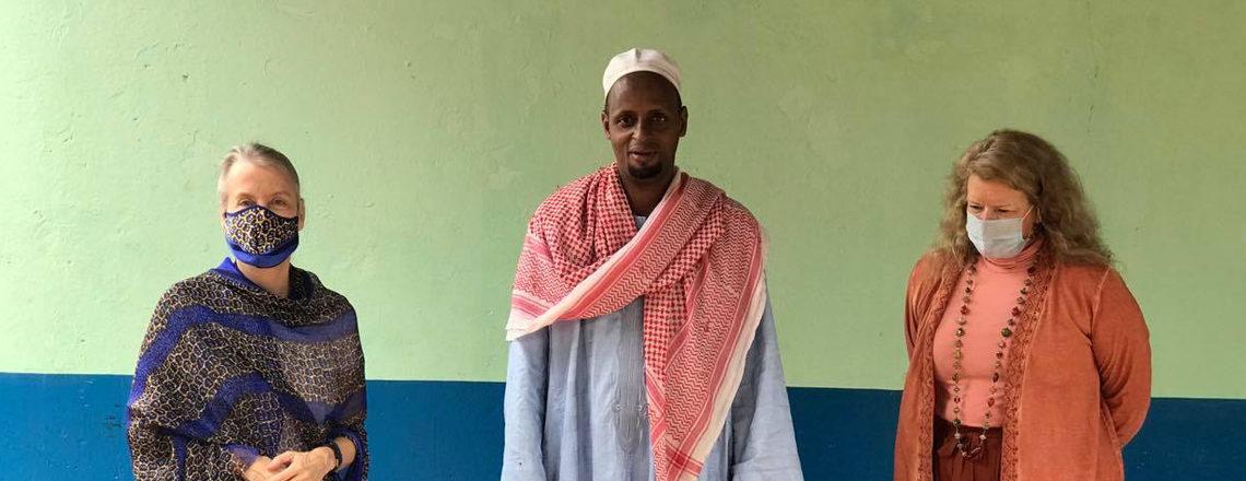 L'Ambassadeur à présenté des dons à la communauté musulmane pour Ramadan