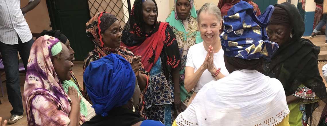 Ambassade des États-Unis a Présenté des Dons à la Communauté Musulmane pour Tabaski