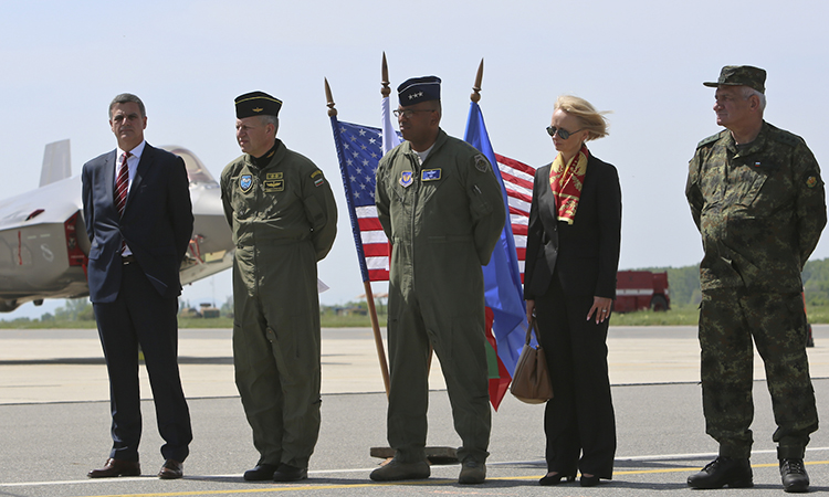 F-35 на американските военновъздушни сили посетиха Авиобаза Граф Игнатиево