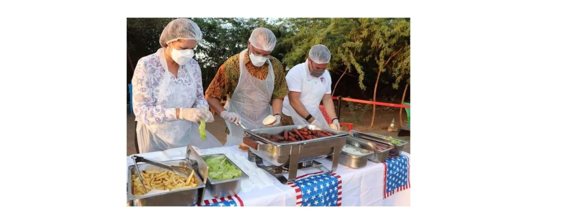 CDA Shukan and the U.S.Embassy team prepare iftar for the tea ladies on Nile street.