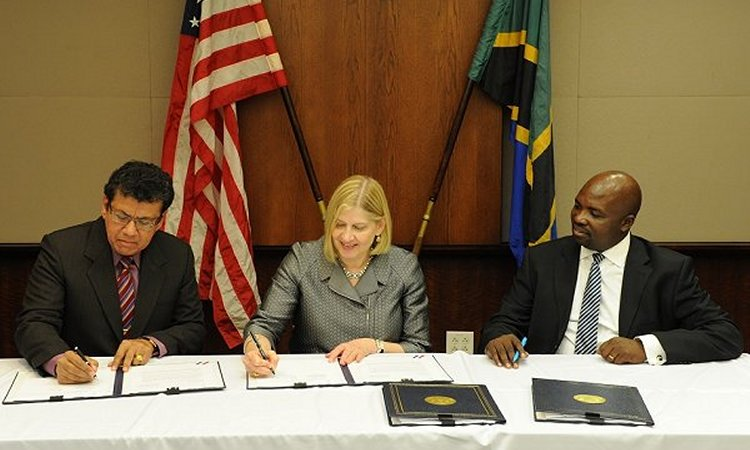 Representatives from USTDA at the grant signing ceremony.