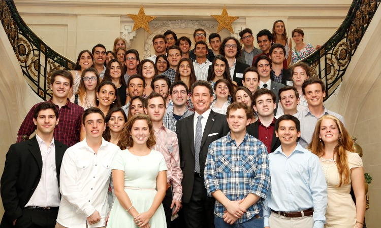 Ambassador Mamet with the 50 winners of the first edition of the Friends of Fulbright scholarship (Photo: Dept. of State)