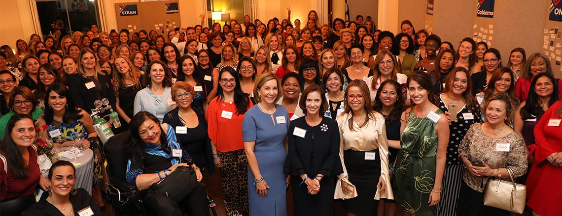 Mujeres Impulsando Mujeres