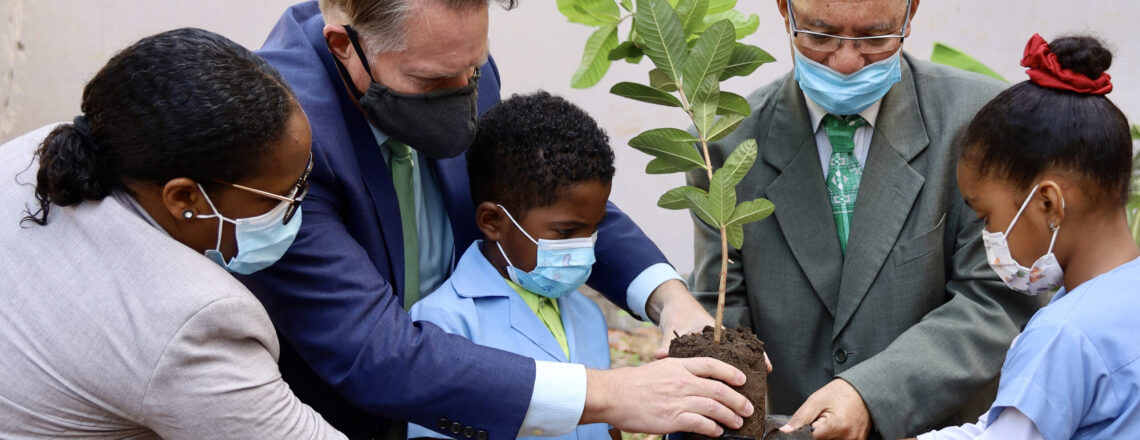 Ambassador Jeff Daigle at the Earth Day event promoted by ADAD