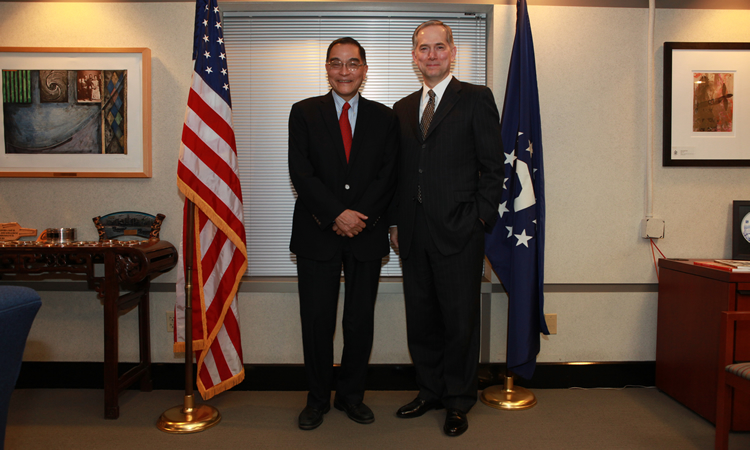 Consul General Hart and Professor Feng (State Dept.)