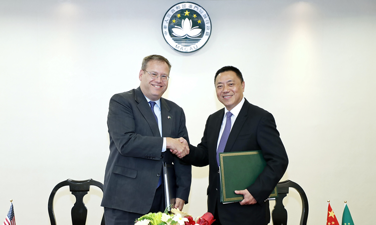 Consul General Kurt Tong and Mr. Leong Vai Tac (State Dept.)