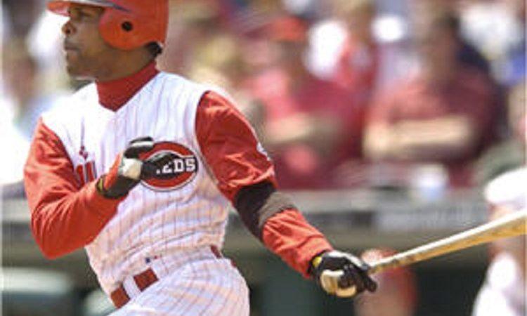 Larkin hitting (Photo: Larkin hitting)