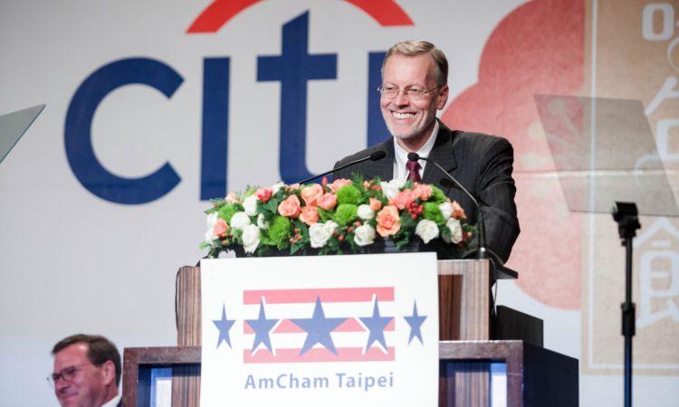 美國在台協會處長酈英傑於台北美國商會謝年飯致詞 (Photo Credits: AmCham Taipei)