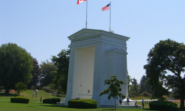 Peace Arch at the US-Canada border (Credit Wikimedia Commons)