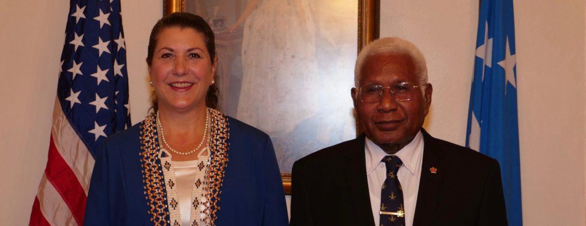 Ambassador Erin Elizabeth McKee Presents Credentials  to Solomon Islands Governor General