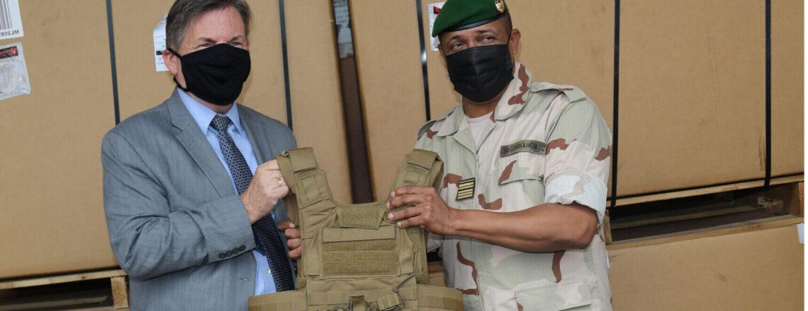 L'Ambassade des États-Unis continue de soutenir le GSIGN avec des équipements