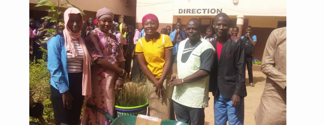 Malian Alumni Support Community Development